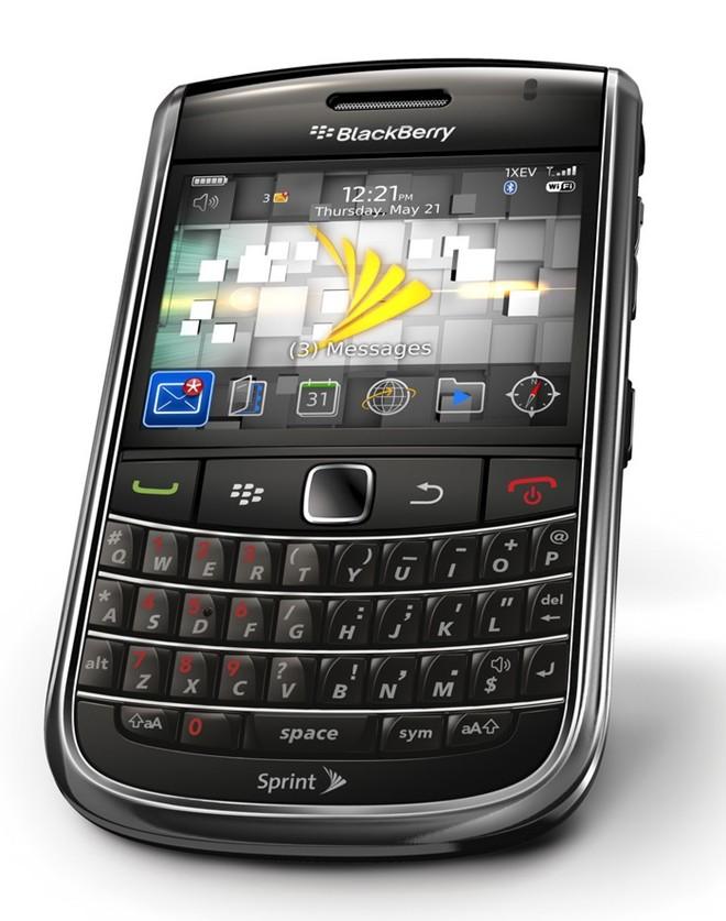 Blackberry 9650 xuất xứ Mỹ giá 1,3 triệu đồng hút khách