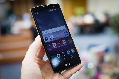 5 chiếc smartphone cho những người yêu selfie
