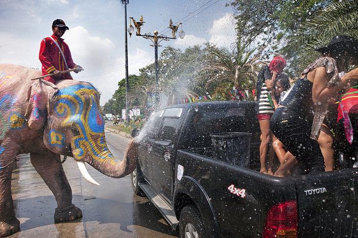 Lễ hội té nước sôi động tại Thái Lan