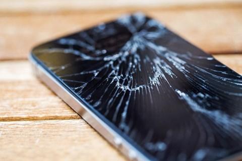Công nghệ smartphone tự khắc phục vết xước