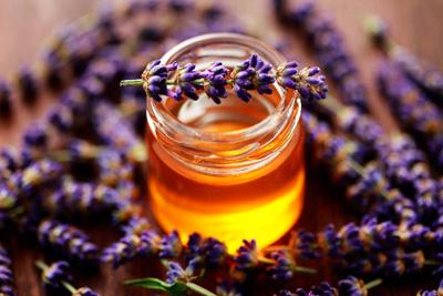 Tinh dầu và hương liệu khác nhau thế nào?