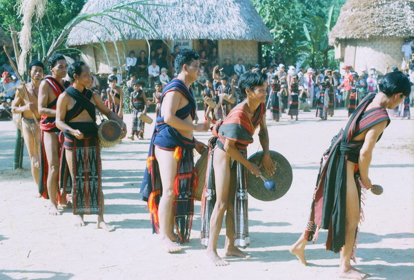 Kdal – um: Món ăn truyền thống của dân tọc cơtu
