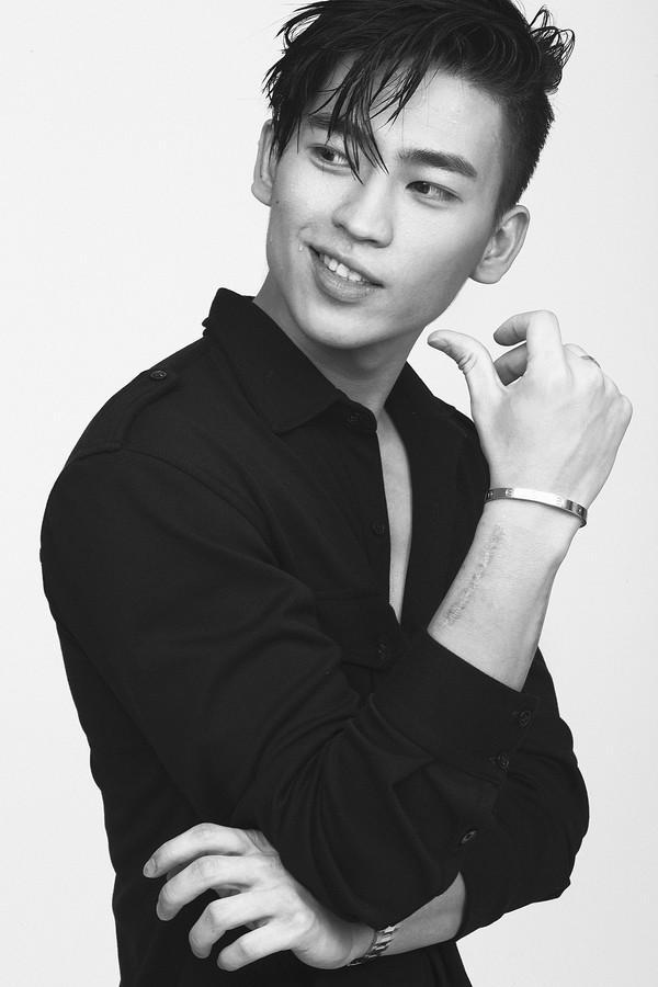 Bradley Paxton-Nguyen hút hồn từ khuôn mặt đến phong cách