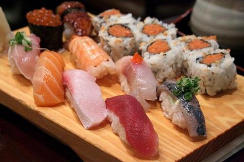 5 địa chỉ để thưởng thức món sushi ngon