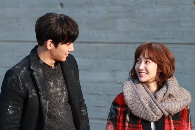 Ji Chang Wook và Park Min Young đoạt giải thưởng lớn từ Healer