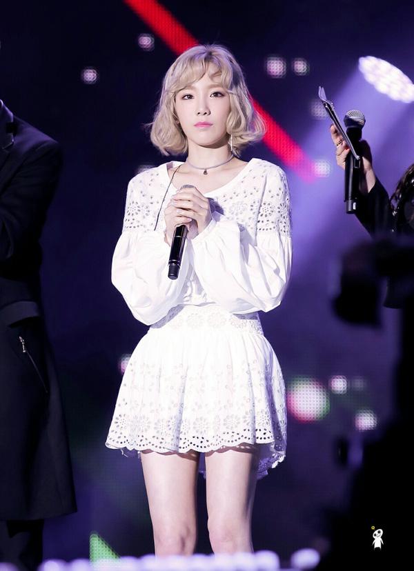Hoãn solo concert fan đòi Taeyeon xin lỗi