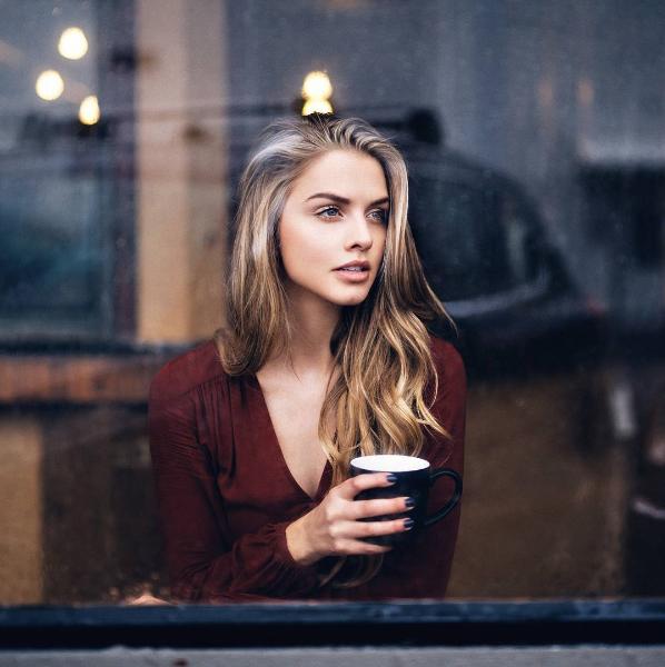Phụ nữ và cafe