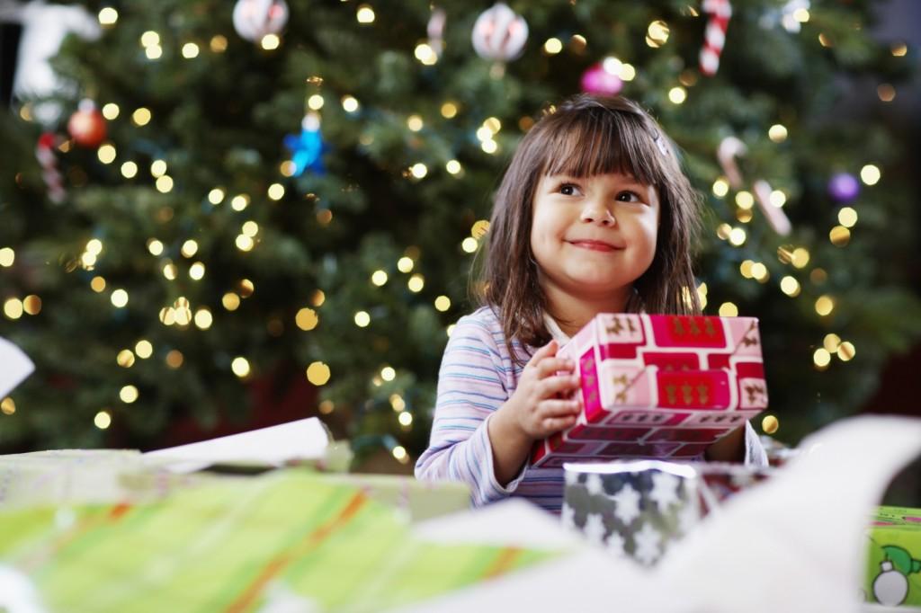 Nghệ thuật tặng quà gây bất ngờ cho bé