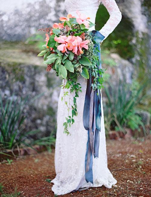 mẹo cầm hoa cưới dáng dài đẹp, ấn tượng