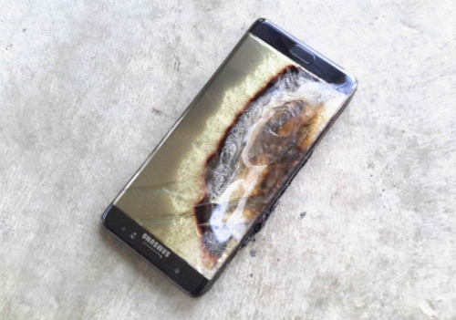 Galaxy Note 7 bị cấm sạc trên mọi chuyến bay của Việt Nam