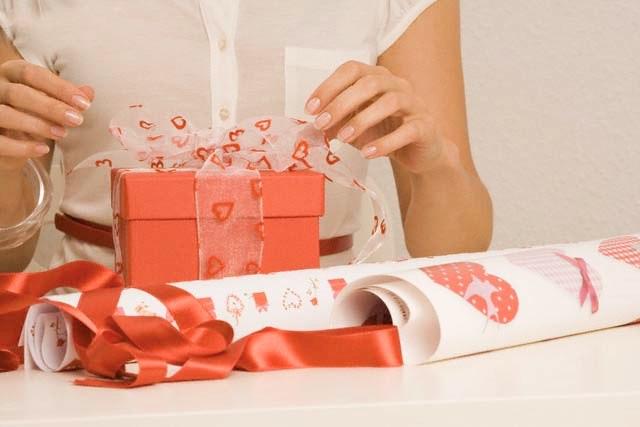 Các Cách gợi ý để nhận được món quà yêu thích từ chàng