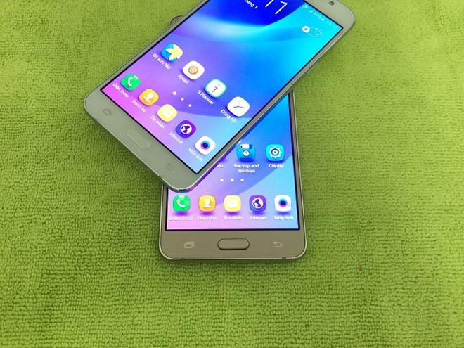 Hàng loạt smartphone Android giá hấp dẫn trong tháng 9-10