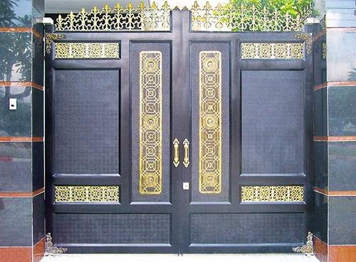 Các lưu ý gì khi gắn cổng biệt thự không thể bỏ qua