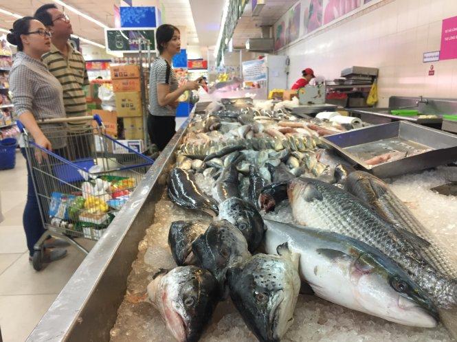 Hải sản ngoại tràn vào siêu thị