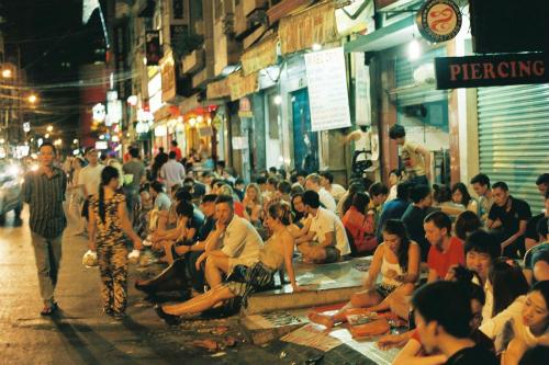 Vì sao nên đi du lịch TpHCM trước Hà Nội