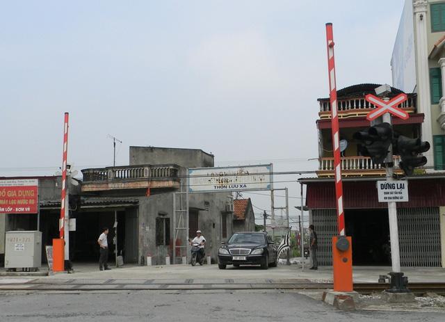 Kết quả hình ảnh cho barrier tự động đường ray