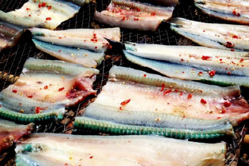 Những món ăn mang đậm chất miền biển tại Nam Du