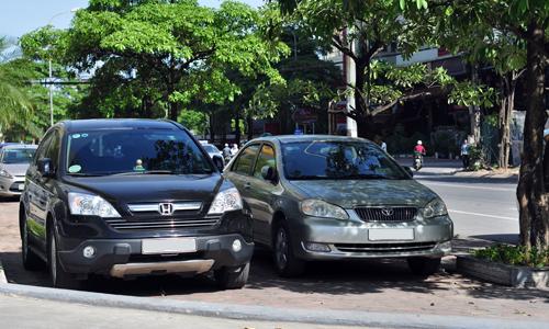 Hiểm nguy lúc đỗ xe ở trời nắng nóng