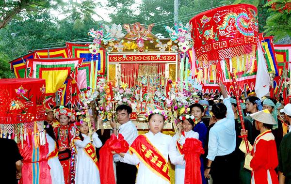 Tour du lịch miền Tây đừng quên lễ Vía Bà Chúa Xứ tháng 4 âm lịch