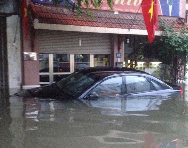 Làm sao để phát hiện xe ô tô từng bị ngập nước?