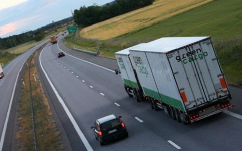 Chạy xe tải chở hàng hóa – nghề thực sự nguy hiểm