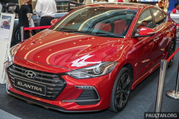 Hyundai Elantra dòng 2017 phiên bản thể thao có gì ?