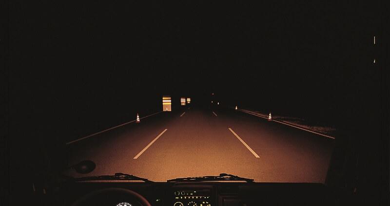 Lưu ý các bí kíp đi xe tải an toàn buổi tối