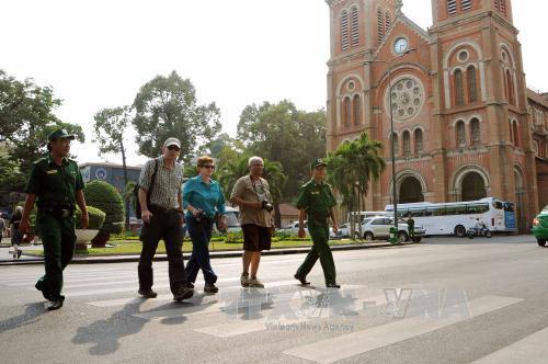 Luôn bức tốc bảo vệ du khách nước ngoài khi du lịch tại Việt Nam