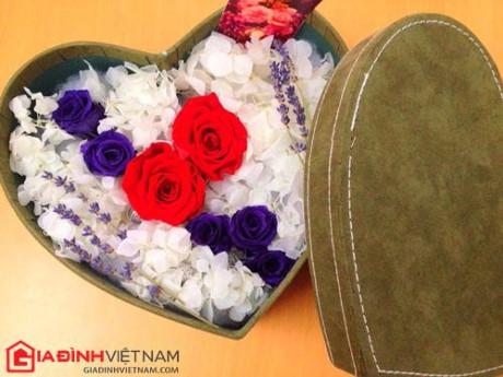 Quà tặng 20/10 bằng hoa hồng vĩnh cửu giá chục triệu VND