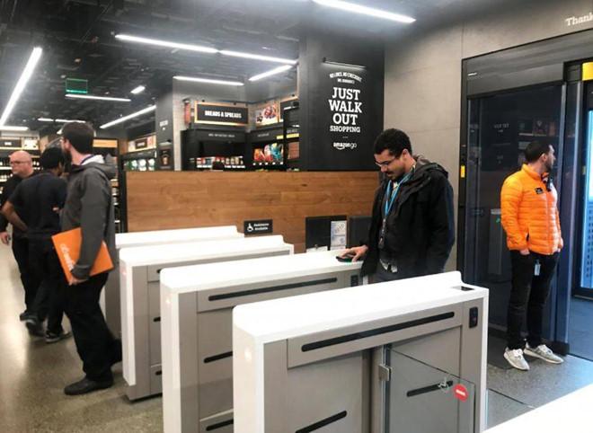 Amazon mở cửa hàng tiện lợi tự động không cần thu ngân