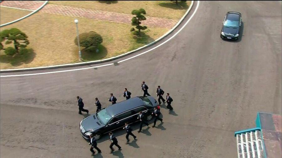Bí mật về chiếc limousine bọc thép và đội vệ sĩ bảo vệ ông Kim Jong-un