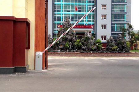 Thế nào là barie và nguyên do các tòa nhà phải lắp barie tự động?