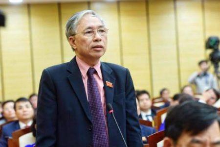 Đại biểu HĐND thủ đô đề nghị lắp barie chặn xe máy leo vỉa hè