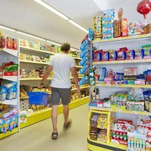 Phương pháp giữ giá kệ siêu thị vào mùa hè
