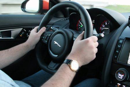 8 quy tắc chủ yếu giúp bạn chạy xe an toàn hơn