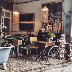 Đến Đà Lạt phải ghé tiệm cafe hoa hồng ngắm hoa!