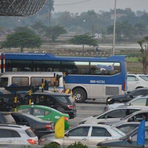 Bắt buộc mở barie khi có ùn tắc ở trạm thu phí trên cao tốc