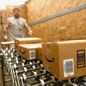 Người Mỹ ngày càng thiếu kiên nhẫn với mua sắm online bởi vì Amazon giao hàng quá nhanh