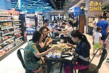 Khám phá chuỗi siêu thị Hema của Alibaba: Hải sản, sữa tươi, sản phẩm cho người lớn