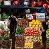 Đấu tranh giữa siêu thị và chợ truyền thống tại Việt Nam khốc liệt hơn khi MXH góp mặt