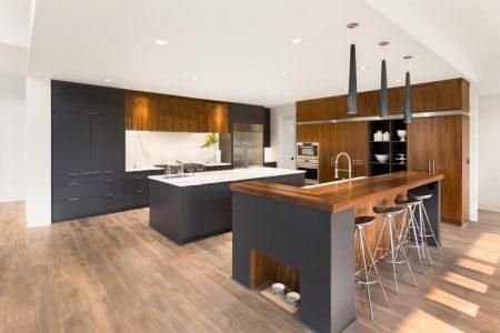 Bạn có nên sử dụng sàn gỗ trong khu nhà bếp và phòng tắm?