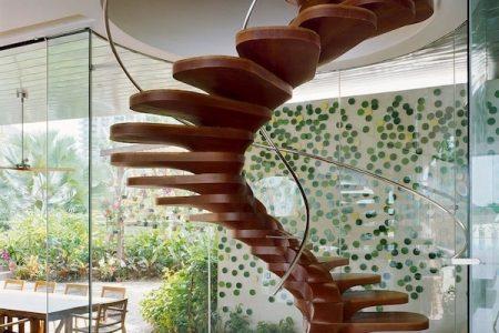 Có nên dùng sàn gỗ công nghiệp dành cho cầu thang gia đình?