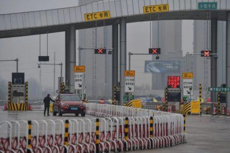Ngành giao thông China tắt nghẽn vì dịch