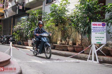 Barrier cấm đường giữa lòng Thủ đô