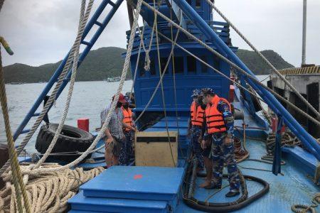Phát hiện nhiều vụ vận chuyển dầu không rõ xuất xứ trên biển Côn Đảo