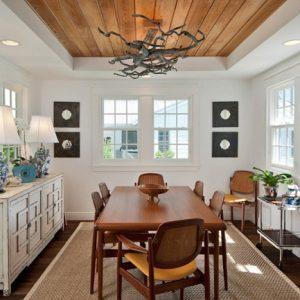 Sử dụng ốp trần bằng gỗ với thiết kế nhà ở hiện đại