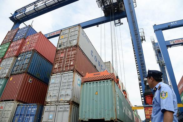 Chuyện khó tin: Xuất khẩu nông sản Việt giảm hơn một nửa vì thiếu… container