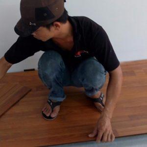 Phương pháp tháo sàn gỗ công nghiệp nhanh chóng ở nhà