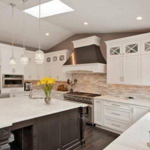 Lựa chọn tủ bếp bằng gỗ tự nhiên hay gỗ công nghiệp?